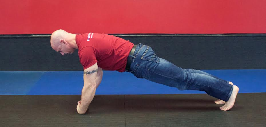 Back_of_the_Wrist_Push-Ups_Top