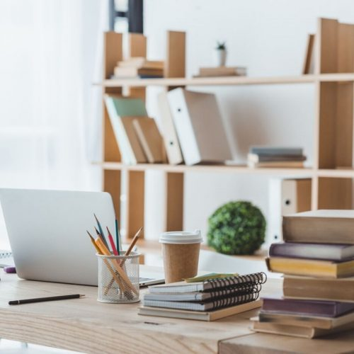 Check out these Best Standing Desks for Work From Home Jobs. These standing desks are a great way to stay healthy while working. #standing #desk #homeoffice #healthy #creative #best #breagettingfit
