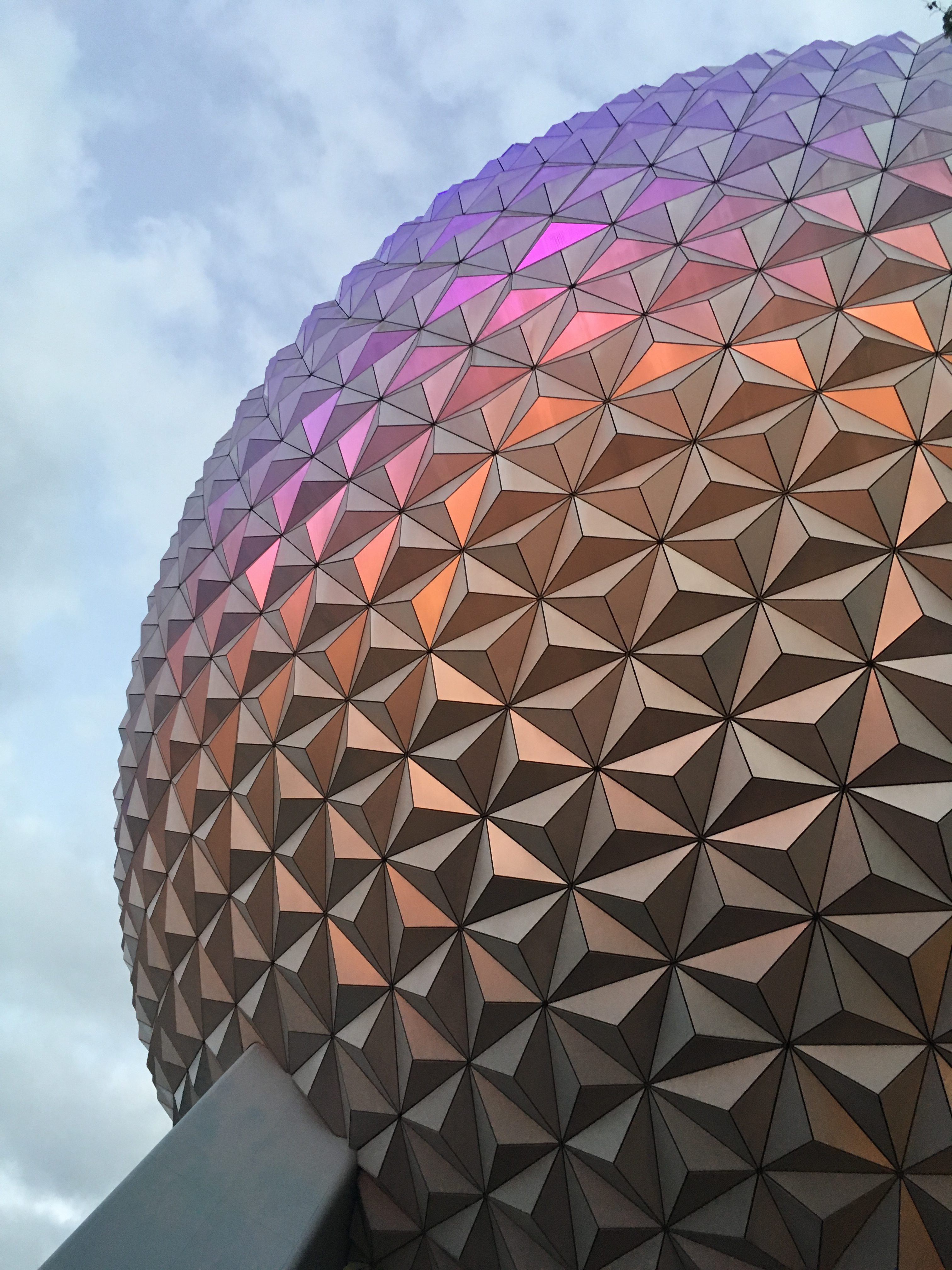 How to eat Paleo at Epcot - Tips for your next Disney World vacation!