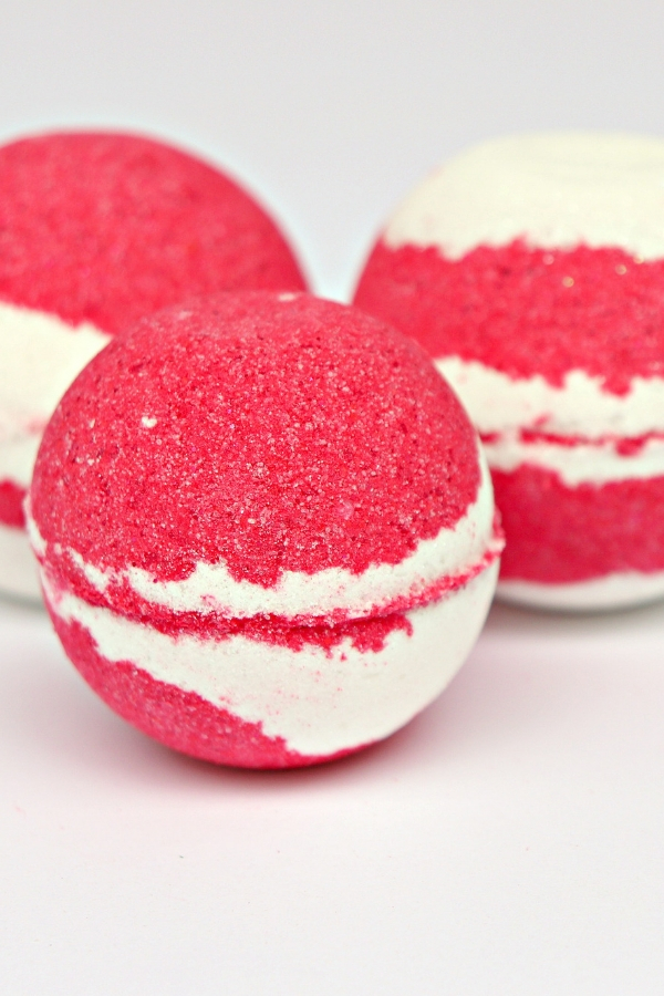 homemade candy cane bath bombs